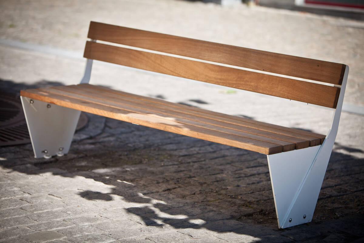 ensemble sitzbank fahrgastinformation und stadtmobiliar. Black Bedroom Furniture Sets. Home Design Ideas
